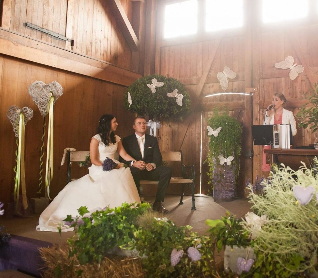 Hochzeitssangerin Nadine Hammer Check24 Profis