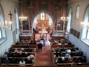 Hochzeit von Susanne & Claudio in der Kicher Busskirch in Jona