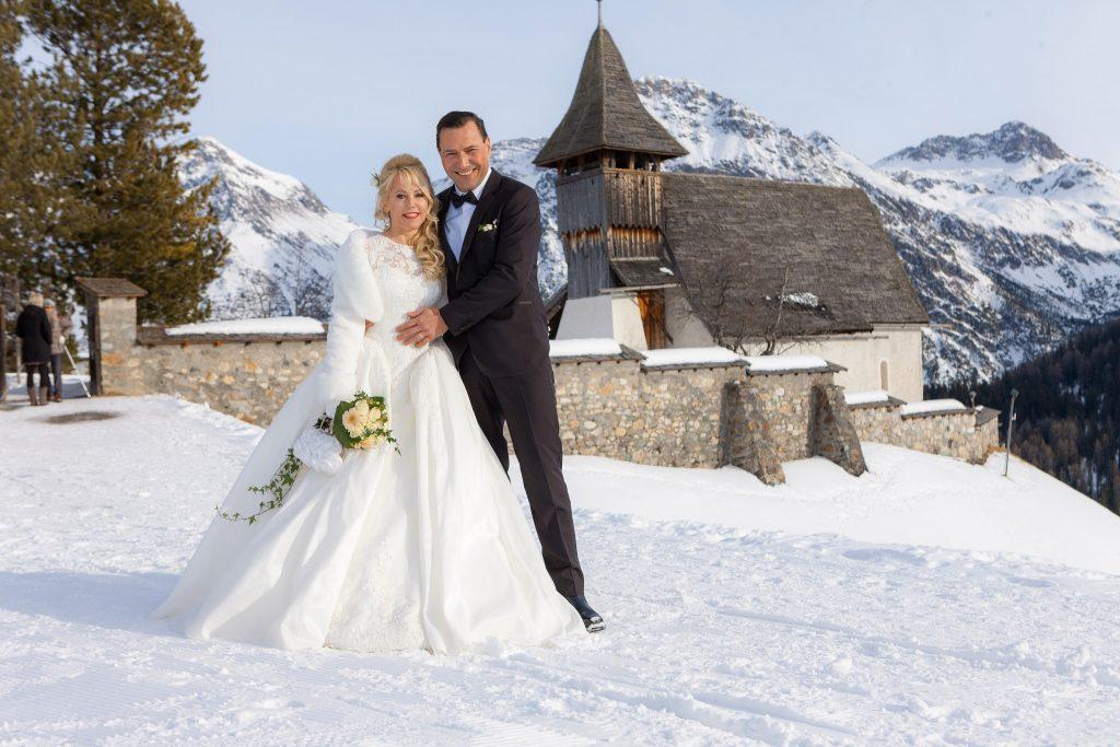 Winterhochzeit, Hochzeit in den Bergen, Schweiz, Arosa, Hochzeitssängerin