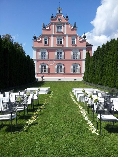 Schloss Freudental in Allensbach am Bodensee - freie Trauung im Garten